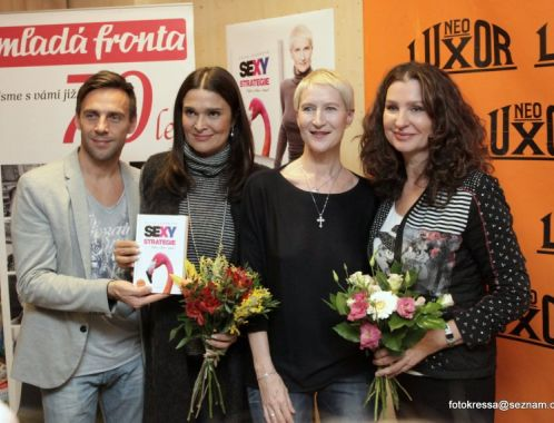 Photo report of book launch in Prague